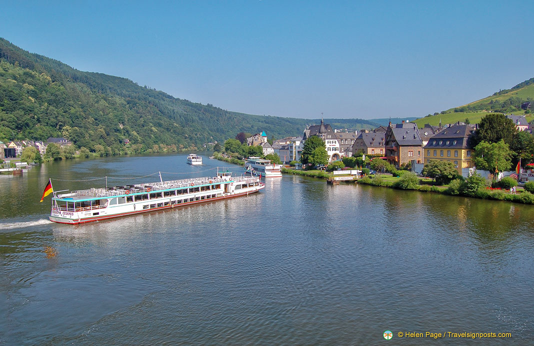 See Stunning Landscapes and Towns on a Rhine-Moselle River Cruise