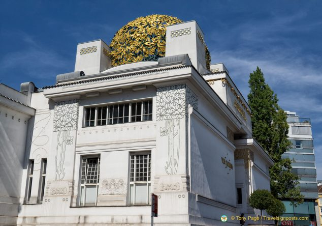 The Secession Vienna museum with its leafy golden dome.