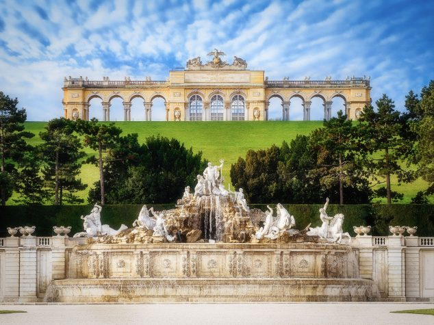Gloriette with Neptune Fountain, Schönbrunn palace: Simon Matzinger