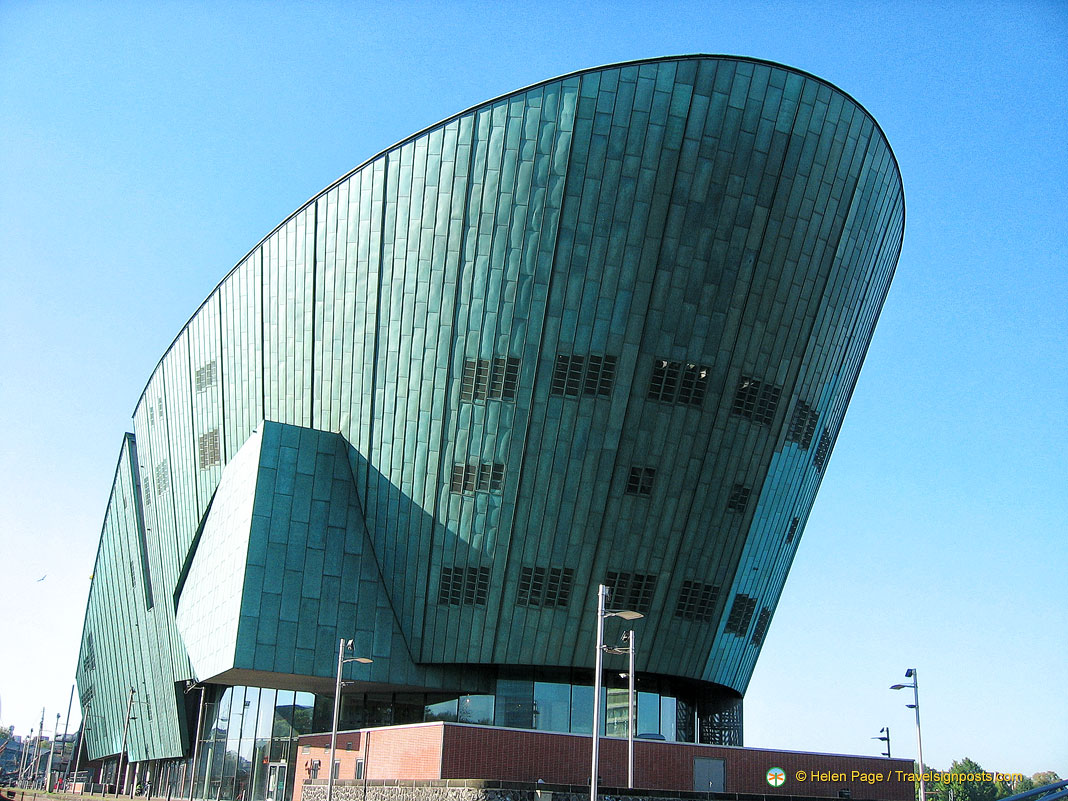 Amsterdam Attractions - NEMO Science Centre