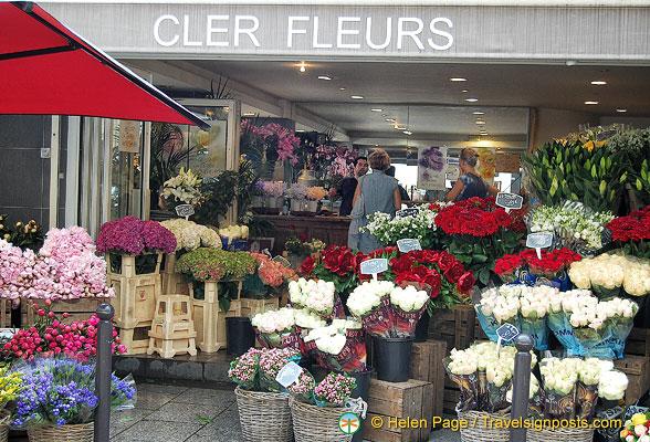 cler fleurs a florist on rue cler. Black Bedroom Furniture Sets. Home Design Ideas
