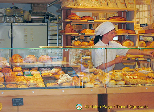 Melk pastry and bread shop