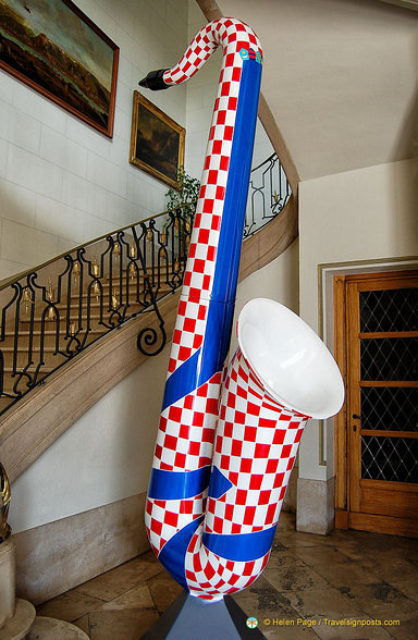 A larger than life saxophone in the Hotel de Ville