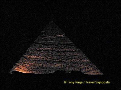 [Son-et-Lumiere - The Great Pyramids - Egypt]