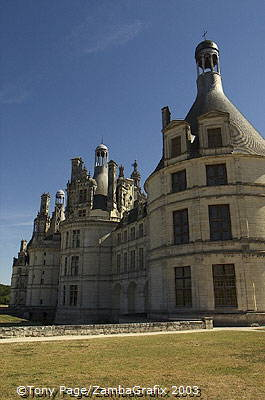 One of the key features of the Chateau is its roof terraces [Chateaux Country - Loire - France]o