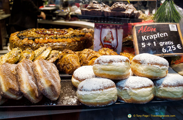 Christmas cakes in Rothenburg ob der Tauber
