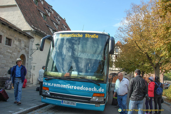 Romantic Road bus on Schrannenplatz