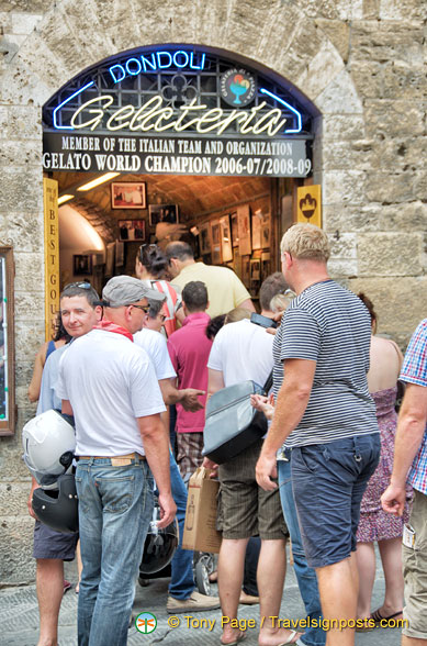 Dondoli - the world champion Gelateria di Piazza