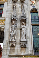 Statues on facade of the Stadhuis