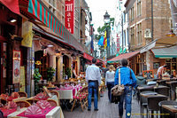 The many tourist restaurants in Rue des Bouchers