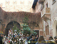Courtyard of Juliet's House and the famous Balcony