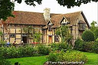 William Shakespeare was borne on April 23, 1564 and died in 1616 [Stratford-upon-Avon-England]