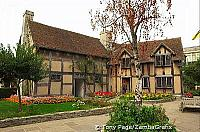 and Stratford-upon-Avon soon became a literary shrine to Shakespeare [Stratford-upon-Avon - England]