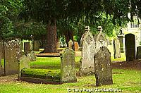 Holy Trinity Church graveyard [Stratford-upon-Avon - England]
