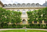 Archives Nationales building