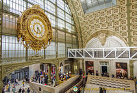 The magnificent golden railway clock