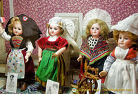 Dolls from different regions of France and their costumes