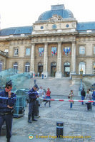 The gendarmerie is responsible for the security of the Palais de Justice