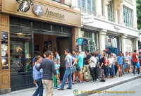 Busy business at Amorino gelato on a hot Paris day