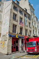 Young & Happy, a backpacker hostel at 80 rue Mouffetard