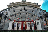 Entertainment at the Gendarmenmarkt Christmas market