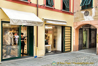 You'll find luxury shops like Gucci on Via Roma