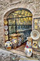 La Bottega - a ceramic craftshop