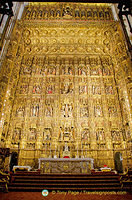 Retablo Mayor made up of 44 gilded relief panels the the reredos.